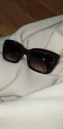 Valentino Gafas de sol ovaladas rojo zarzamora