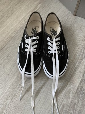 VANS Authentic Sneaker schwarz in Gr. 38