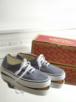 Vans Lace-Up Sneaker white-grey