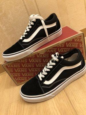 Vans Lace-Up Sneaker black-white