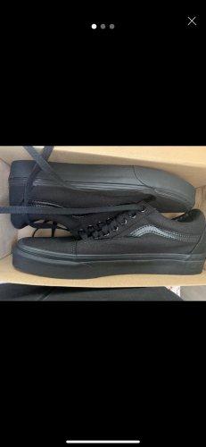 Vans Skater Shoes black-red