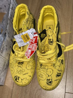 Vans Lace-Up Sneaker yellow