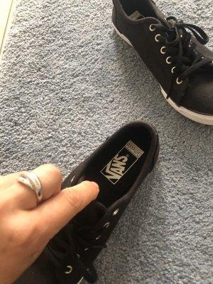 Vans Lace-Up Sneaker black