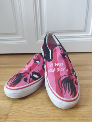 "Vans  Vault & Niagara Classic Slip-on Sammler/innen Stück ""I'm Not your bitch"""