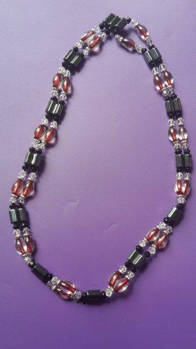 Collier de perles noir-rouge