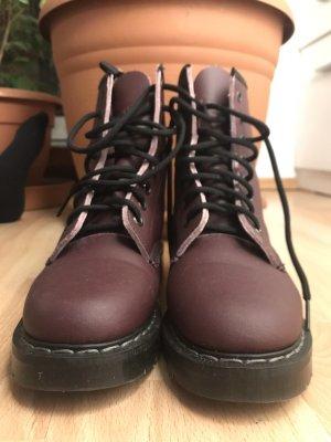 vegane docmartens-like boots