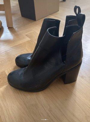 Lipstick Boutique Cut out boots zwart
