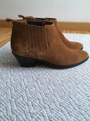 Velourleder Ankle Boots von Closed