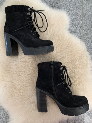 Velours Ankle Boots