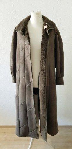 Abrigo de cuero gris verdoso