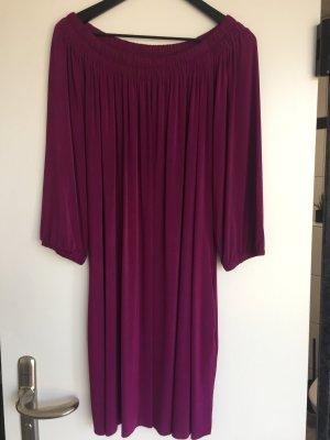 Velvet kurzes Kleid in Brombeere Farbe einmal getragen