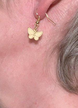 vergoldete Ohrringe mit Schmetterling-Anhänger