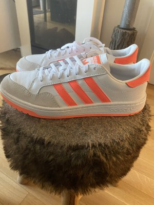 Verkaufe Adidas Sneaker in weiß / orange