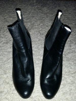 Verkaufe die Stiefeletten Gr. 41 in schwarz von BUFFALO nur einmal getragen