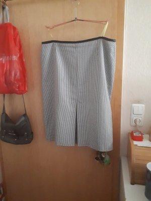 Verkaufe diesen Damenrock in Größe 23