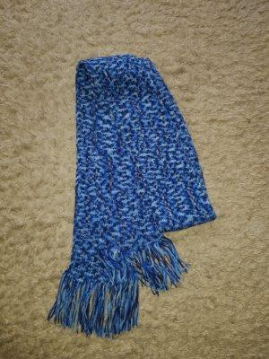 Verkaufe kaum getragenen Schal selbst gehäkelt in blau mit Fransen