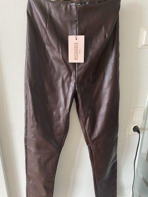 Missguided Pantalone in pelle marrone-rosso