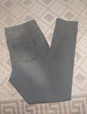 Verkaufe neue Jeanshose