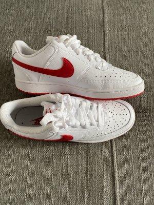 Verkaufe neue Nike Schuhe