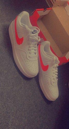 Verkaufe Nike Schuhe