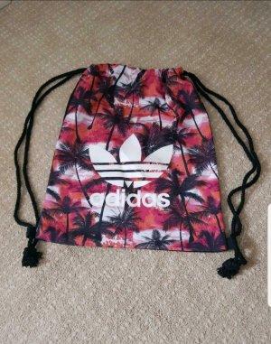 Verkaufe schönen farbenfrohen Adidas Beutel.
