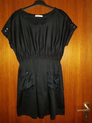 Verkaufe schwarzes Kleid von ONLY Gr. 38 kaum getragen