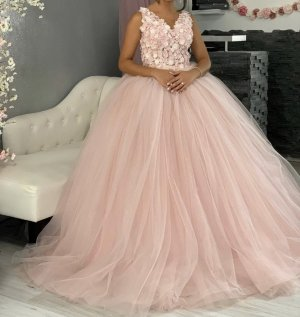 Abito da sposa rosa chiaro-rosa