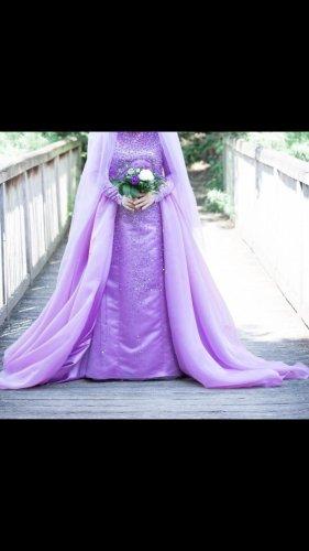 Robe à paillettes violet