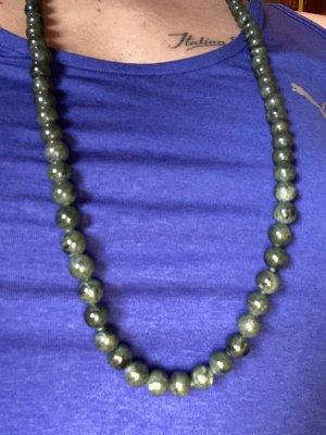 Vermutlich jade lange Halskette