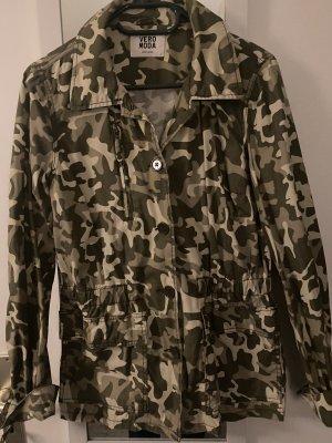 Vero Moda Camouflage Jacke Gr. L