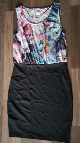 Vero Moda - enganliegendes Kleid