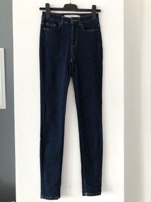 Vero Moda • High Waist Skinny Jeans 26/32