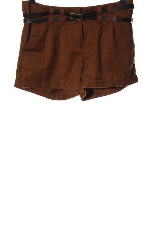 Vero Moda Pantalón corto marrón look casual