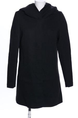 Vero Moda Abrigo con capucha negro look casual
