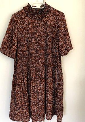 Vero Moda Shortsleeve Dress cognac-coloured-dark blue polyester