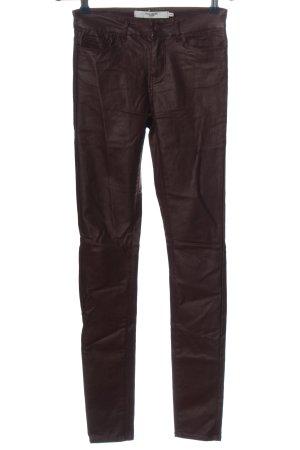 Vero Moda Pantalón de tubo marrón look casual