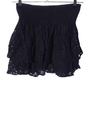 Vero Moda Falda de encaje negro look casual
