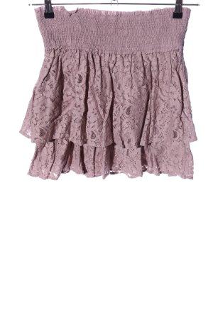 Vero Moda Falda de encaje rosa look casual