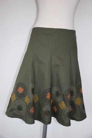 Vero Moda - Toller Bahnenrock mit bestickten Mandalas - neu