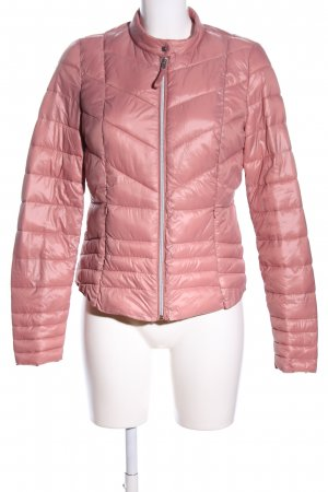Vero Moda Cortaviento rosa estampado acolchado elegante