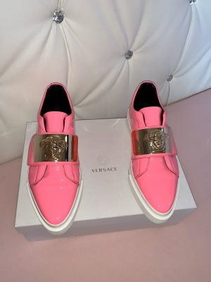 Versace Zapatillas con tacón rosa
