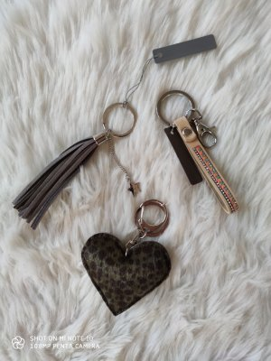 Key Chain dark grey-sand brown
