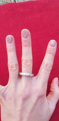 Versilberter Ring mit SWAROVSKI Kristall