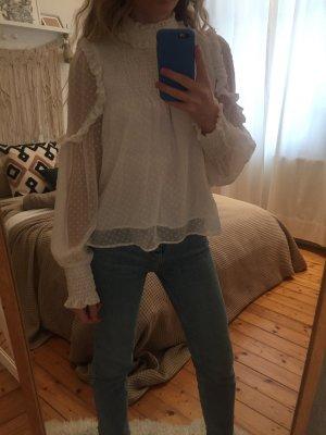 Verspielte Bluse
