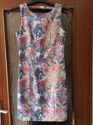 verspieltes Kleid