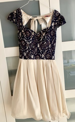 Verspieltes Kleid für besondere Anlässe