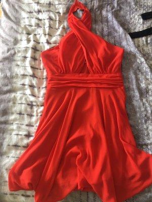 verspieltes rotes Sommerkleid