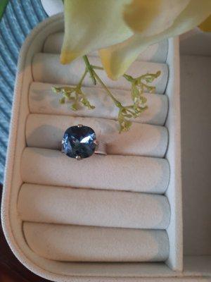 Verstellbarer Ring mit echtem Swarovski Stein