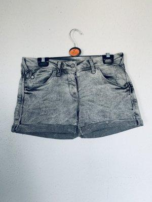 Verwaschene Damen Shorts