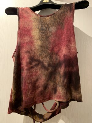 Urban Outfitters Haut dos-nu rouge carmin-bronze